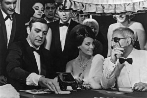 Sean Connery som James Bond spilte baccarat i den originale Casino Royale-filmen.